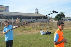 Diego Salari, protagonista de Football Dream. Julián Recalde a cargo del sonido.